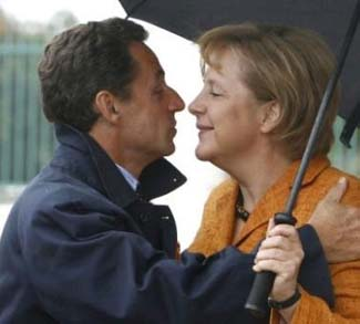 SarkozyMerkel, cc Flickr Pimkie, modified, https://creativecommons.org/licenses/by-sa/2.0/