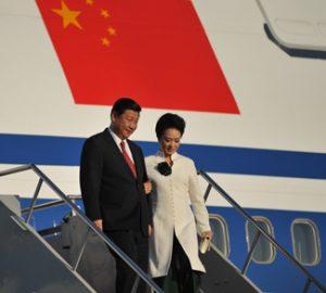 Xi Jinping walks off plain