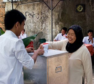 Casting Votes in Indonesian Election
