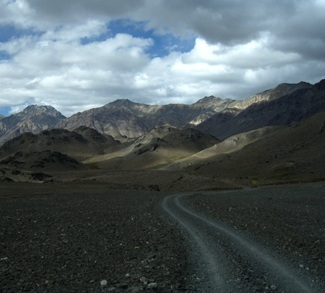 Himalaya Road at China India Border cc Flickr 4ocima