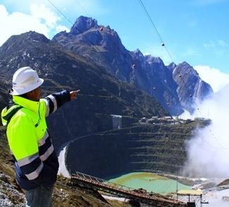 Freeport Indonesia Surface Mine, cc Richarderari