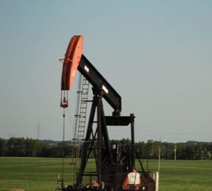 Alberta Oil, CC Bartlettbee Flickr, modified, https://creativecommons.org/licenses/by/2.0/