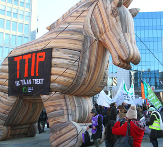TTIP, CC Flickr greensefa, modified, https://creativecommons.org/licenses/by/2.0/