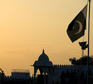 PakistanSunset, cc Flickr Opendemocracy, modified, https://creativecommons.org/licenses/by-sa/2.0/