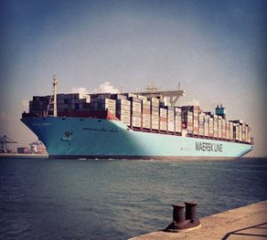 MaSu, cc Flickr  Maersk Line, modified, https://creativecommons.org/licenses/by-sa/2.0/