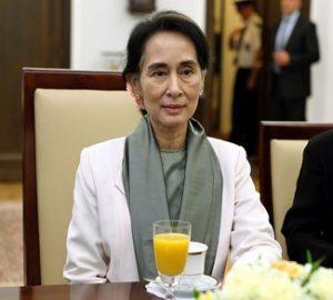 Aung, Source Senat Rzeczypospolitej Polskiej Author Michał Józefaciuk, cc Wikicommons, https://commons.wikimedia.org/wiki/File:Aung_San_Suu_Kyi_Senate_of_Poland.JPG