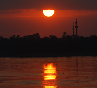 Sunset over the River Nile, cc Flickr Michael Gwyther-Jones, modified, https://creativecommons.org/licenses/by/2.0/