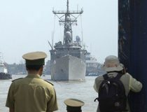 US Navy, public domain, https://commons.wikimedia.org/wiki/File:US_Navy_031119-N-8590G-001_USS_Vandegrift_(FFG_48)_arrives_in_Ho_Chi_Minh_City,_Vietnam.jpg