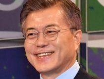 Soon-to-be President Moon Jae-in, VOI, 2017, https://fr.wikipedia.org/wiki/Fichier:Moon_Jae-in_in_2017.jpg