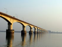 Bridge_over_brahmaputra_river, cc Flickr anurag peshne, modified, https://creativecommons.org/licenses/by-sa/2.0/