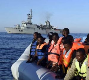 MigrantBoat, cc Flickr Irish Defence Forces, modified, https://creativecommons.org/licenses/by/2.0/