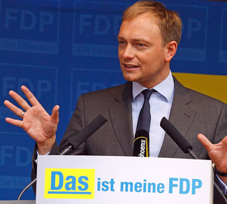 1200px-Christian_lindner_fdp_2012, cc Dirk Vorderstraße, Wikicommons, modified, https://commons.wikimedia.org/wiki/File:Christian_lindner_fdp_2012.jpg
