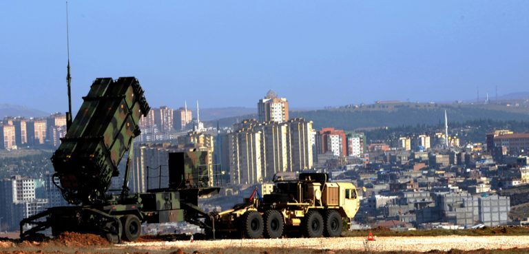 A US Patriot missile system deployed in the Turkish city of Gaziantep in 2013. cc Flickr U.S. Army Europe, modified, https://creativecommons.org/publicdomain/mark/1.0/
