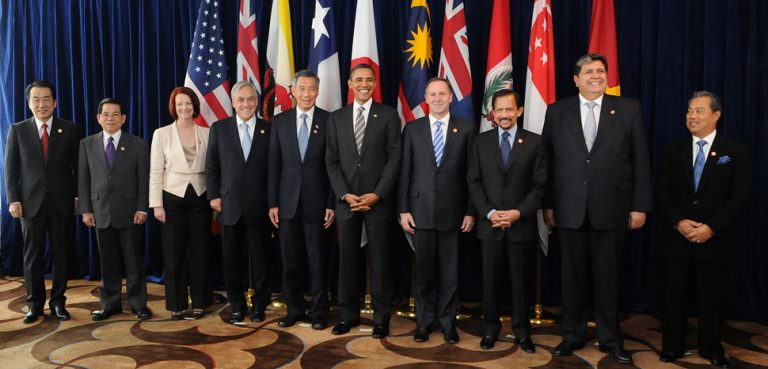 Leaders of the original TPP states in 2010, cc Flickr Gobierno de Chile, modified, https://creativecommons.org/licenses/by/2.0/