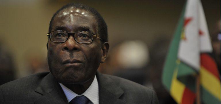 cc US Navy, https://commons.wikimedia.org/wiki/File:Robert_Mugabe,_12th_AU_Summit,_090202-N-0506A-187.jpg