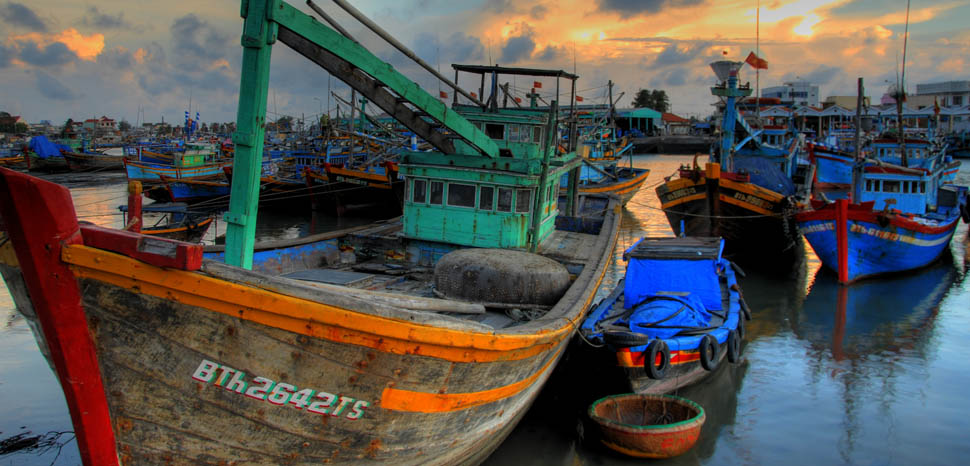 FishingBoats, cc Flickr Lucas Jans, modified, https://creativecommons.org/licenses/by-sa/2.0/