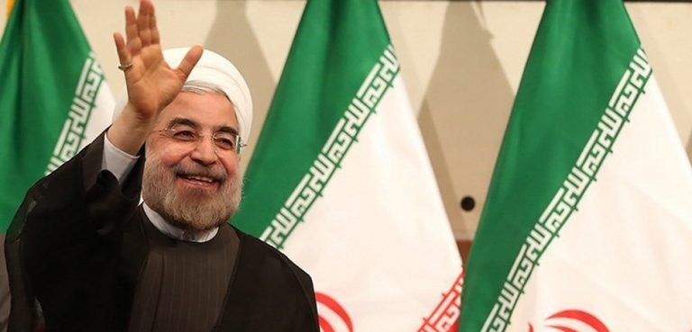 Hassan_Rouhani_press_conference_after_his_election_as_president_14, cc Alireza Bahari, modified, Fars News, https://commons.wikimedia.org/wiki/File:President_Rouhani_at_Hormozgan_2018-02-28_02.jpg