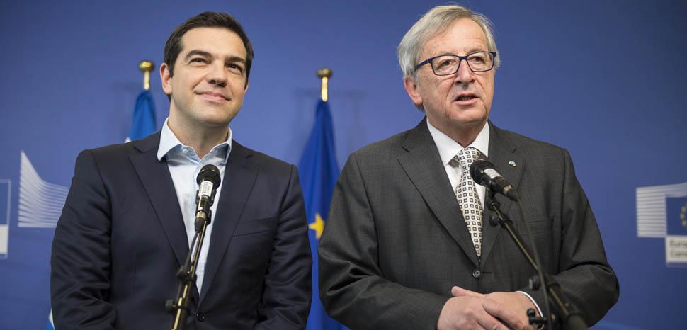 Tsipras_and_Junker, cc FLickr Αλέξης Τσίπρας Πρωθυπουργός της Ελλάδας, modified, https://en.wikipedia.org/wiki/Alexis_Tsipras#/media/File:Tsipras_and_Junker.jpg