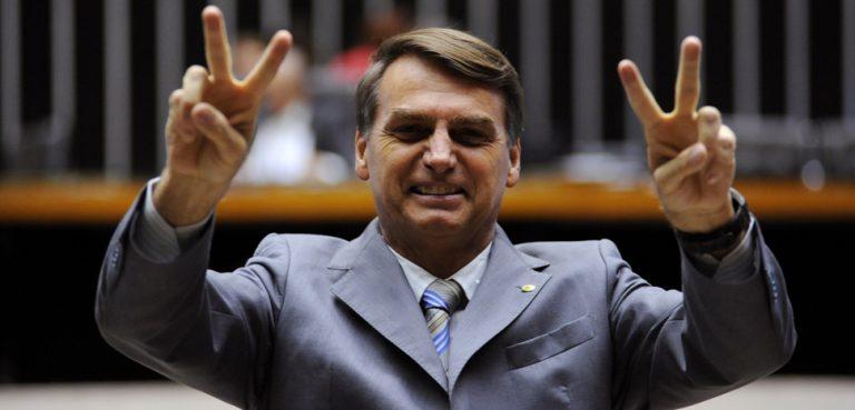 Sessão Extraordinária Plenário Ulysses Guimarães Dep. Jair Bolsonaro Foto: Beto Oliveira 30.06.2011 - https://www.camara.leg.br/internet/bancoimagem/banco/2011/06/2011063018359_20110630_018LP_LC.jpg - modified - Beto Oliveira / Câmara dos Deputados