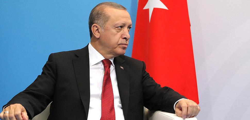 ErdoganKrem, cc Kremlin.ru, modified, http://en.kremlin.ru/events/president/news/55011