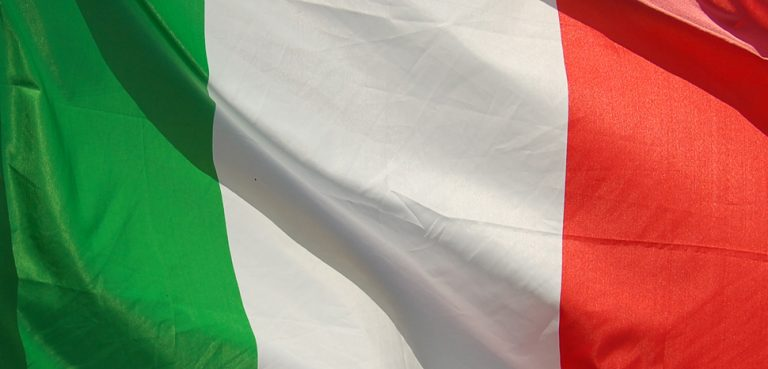 ItalyFlag, cc Flickr Floris Oosterveld, modified, https://creativecommons.org/licenses/by/2.0/