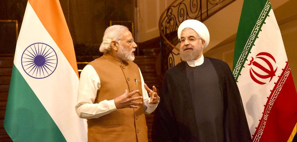 RouhaniModi, cc Flickr Narendra Modi, modified, https://creativecommons.org/licenses/by-sa/2.0/