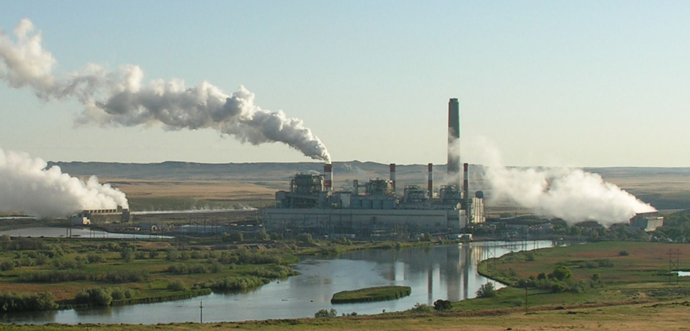 Coal plant in Wyoming, cc Greg Goebel from Loveland CO, USA ,modified, https://en.wikipedia.org/wiki/File:Dave_Johnson_coal-fired_power_plant,_central_Wyoming.jpg