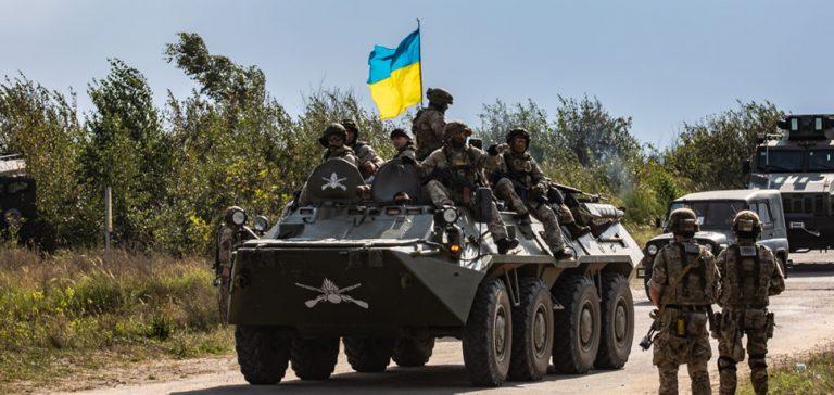 UkraineAPC, cc Flickr 7th Army Training Command, modified, https://www.flickr.com/photos/7armyjmtc/44598249711/in/photolist-nepj5A-XPryAJ-594B8n-6odLv9-Z6XLNC-YMnur9-YMnuWs-ZbbNxp-YMnvbq-YKby44-2aki5v1-YMnusw-2aWZFRR-C582ty-Z8rySN-YMnuS9-Z8ryKo-k6WPqM-2h2Syr-KBrit-2hWyjD-jWbPEf-p7CGY8-5RsLKe-VRrzbz