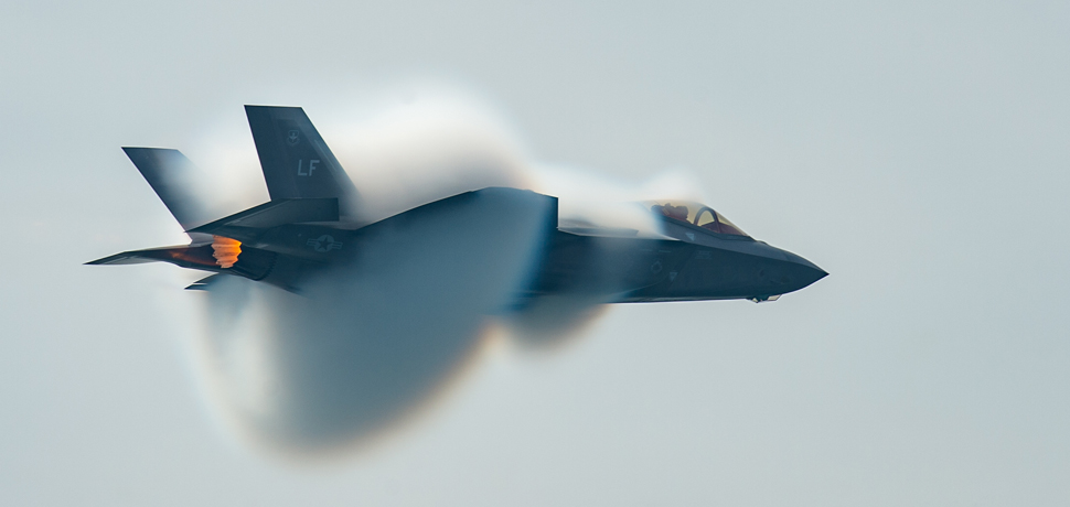 F-35 HFT performs in the Canadian International Air Show, cc Flickr Robert Sullivan, modified, https://creativecommons.org/publicdomain/mark/1.0/
