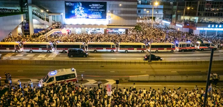 HKProtest, HF9631, modifeid, https://commons.wikimedia.org/w/index.php?title=Special:Search&title=Special:Search&redirs=0&search=hong+kong+protests+2019&fulltext=Search&fulltext=Advanced+search&ns0=1&ns6=1&ns14=1&advanced=1&searchToken=61eet2vvhprojkv0oicyinmr5#%2Fmedia%2FFile%3AJune9protestTreefong06.jpg