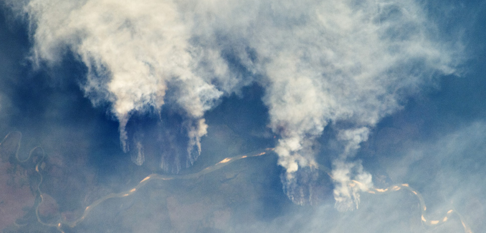 Brazil Amazon fires (2011), cc Flickr NASA Earth Observatory, modified, https://creativecommons.org/licenses/by/2.0/