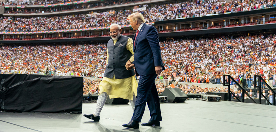 Howdy Modi, cc Flickr White House, modified, https://creativecommons.org/publicdomain/mark/1.0/