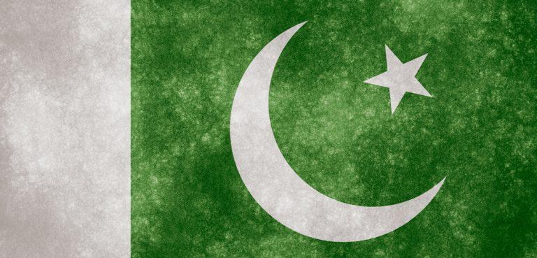 Pakistan Flag, cc Nicholas Raymond, modified, http://freestock.ca/flags_maps_g80-pakistan_grunge_flag_p1062.html