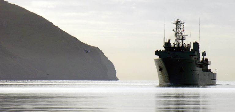 NZNavy, cc Flickr Phillip Capper, modified, https://creativecommons.org/licenses/by/2.0/