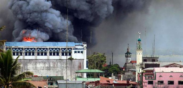 Bombing of Marawi City, cc Sariling gawa, modified, https://tl.m.wikipedia.org/wiki/Talaksan:Bombing_on_Marawi_City.jpg