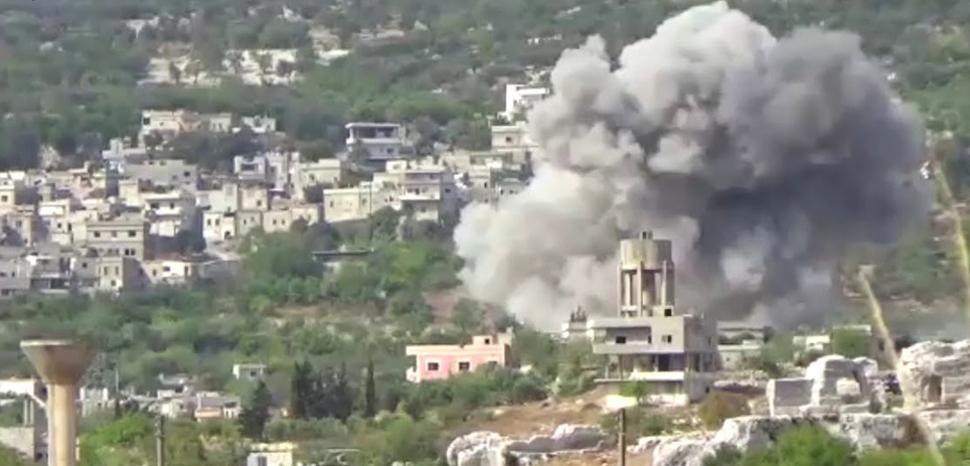 A strike in Bidama in Idlib in 2017; cc Qasioun News Agency, modified, https://en.wikipedia.org/wiki/Hama_offensive_(September_2017)#/media/File:Airstrike_in_Bidama,_west_of_Idlib.jpg