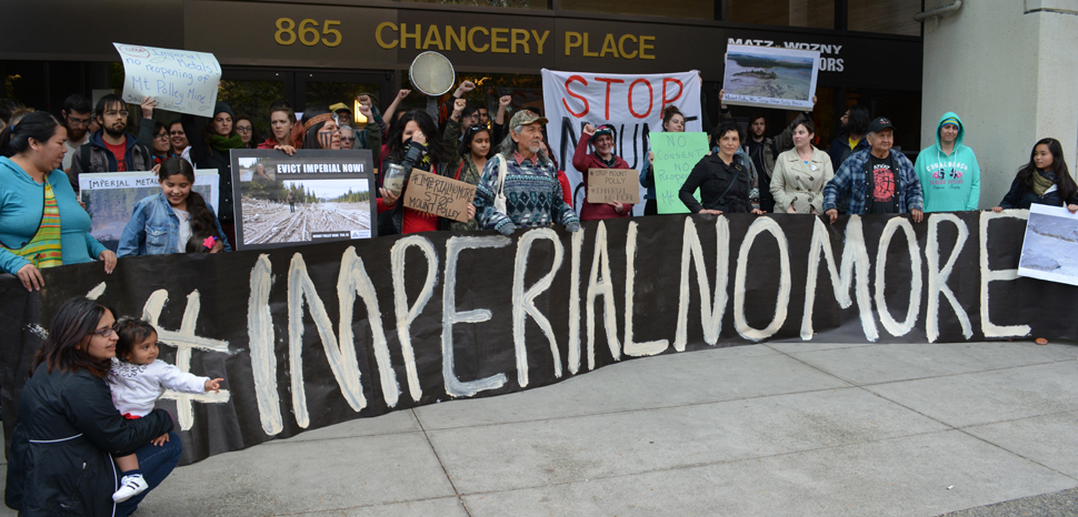 ImperialProtest, cc Flickr Jeremy Board, modified, https://creativecommons.org/licenses/by/2.0/
