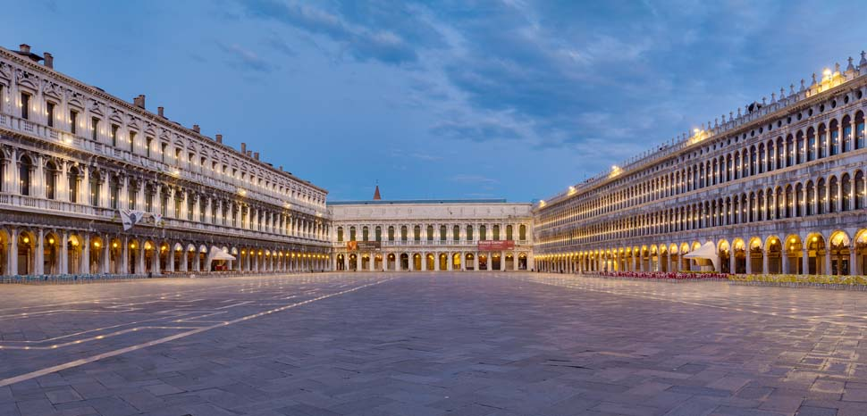 Piazza San Marco at Dawn, Venice (taken in 2015), cc Benh LIEU SONG, Flickr, modified, https://creativecommons.org/licenses/by-sa/2.0/