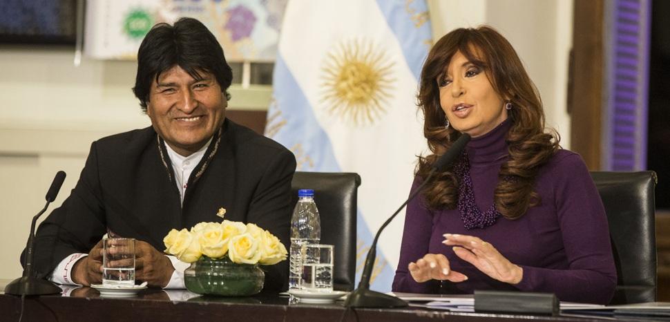 Evo Morales at a Press Conference. cc Flickr Ministerio de Cultura de la N, modified, https://creativecommons.org/licenses/by-sa/2.0/, https://www.flickr.com/photos/culturaargentina/
