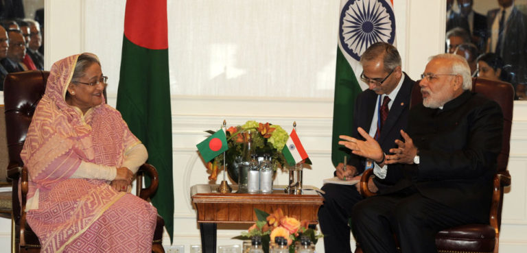 cc Narendra Modi, modified, https://commons.wikimedia.org/wiki/File:Prime_Minister_Modi_meets_Bangladeshi_PM_Sheikh_Hasina.jpg