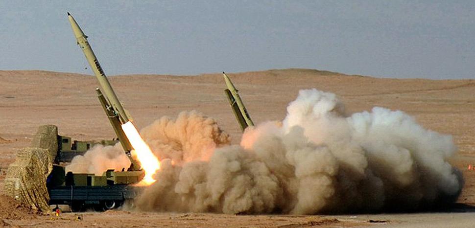cc Hossein Velayati. modified, https://commons.wikimedia.org/wiki/File:Fateh-110_Missile_by_YPA.IR_02.jpg