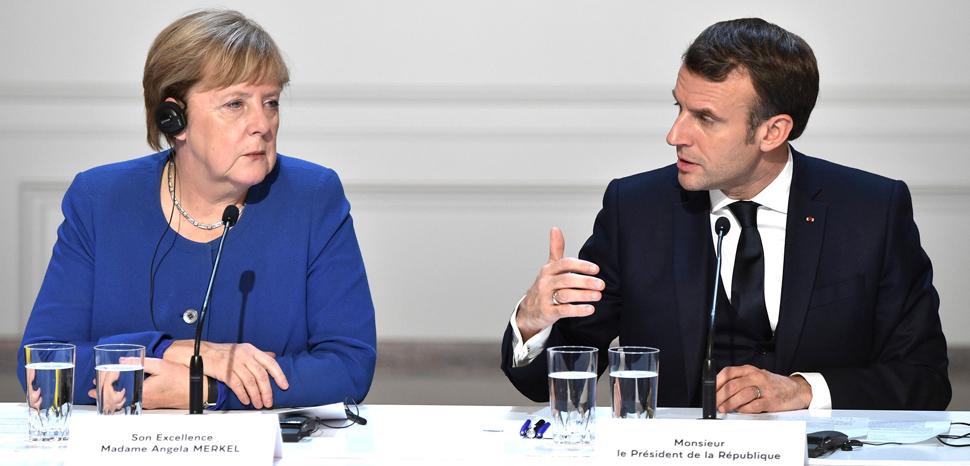 cc kremlin.ru, modified, https://commons.wikimedia.org/wiki/File:Emmanuel_Macron_and_Angela_Merkel_(2019-12-10).jpg,