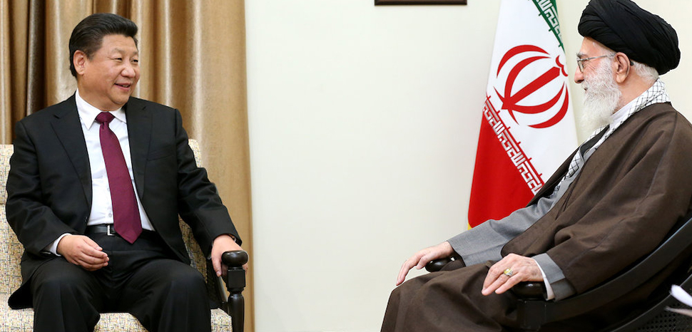 cc Official website of Ali Khamenei, Supreme leader of Iran, modified, https://commons.wikimedia.org/wiki/File:Ali_Khamenei_receives_Xi_Jinping_in_his_house_(7).jpg