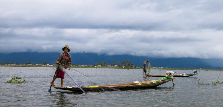 Inle Lake Myanmar (Burma) 2014, cc Caroline Jones, modified, Flickr, https://creativecommons.org/publicdomain/zero/1.0/